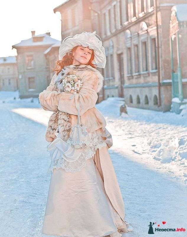 шило свадебное бежевое платье зимой фото бесплатно красивые