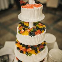 Свадебный торт с фруктами