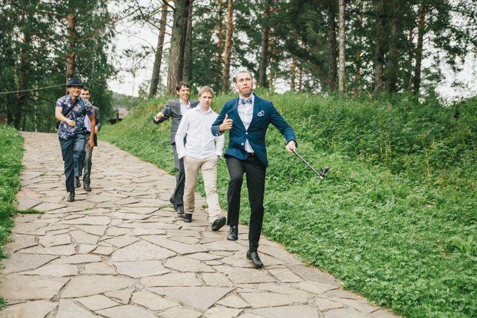 Один из самых лучших выходов друзей жениха на церемонии регистрации