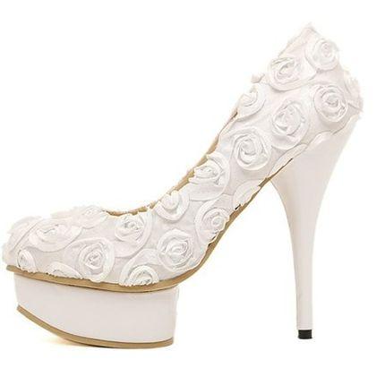 Свадебные туфли с розами