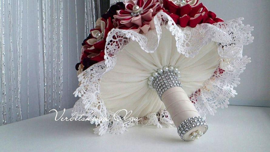 Дорогие невесты! Хочу предложить Вам уникальные Брошь букеты, выполненные в разной технике с использованием шелка, шифона, атласа, атласных лент. - фото 15368336 Оформление свадеб, букеты и аксессуары - Decover