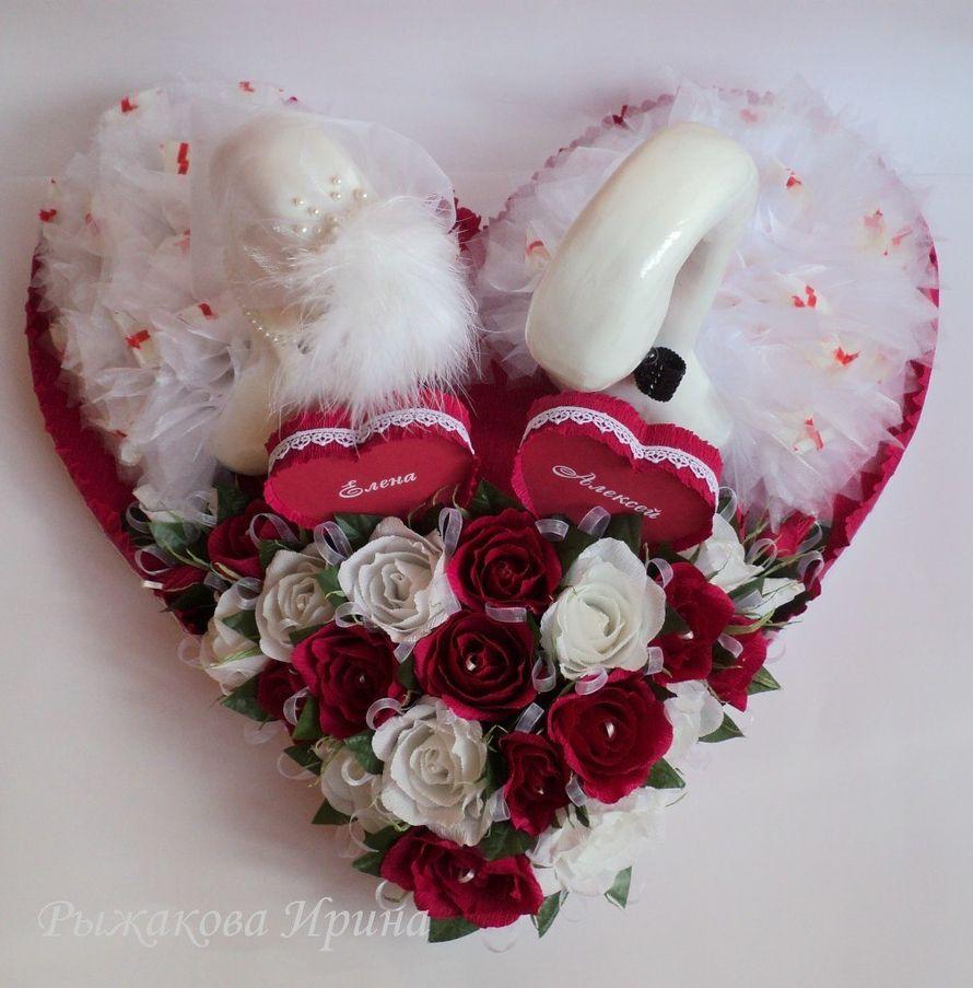 Свадебные лебеди, размер сердца 57х62см, высота лебедей 44см, использовались конфеты Raffaello 30 шт. и Марсианка 25 шт. - фото 5168287 Свит дизайн Рыжакова Ирина