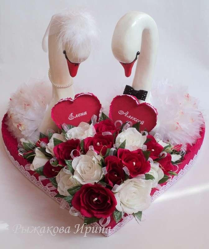 Свадебные лебеди, размер сердца 57х62см, высота лебедей 44см, использовались конфеты Raffaello 30 шт. и Марсианка 25 шт. - фото 5168293 Свит дизайн Рыжакова Ирина