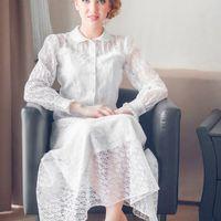"""Элегантное и изысканное платье в стиле """"ретро"""". Платье длины midi выполнено из невесомого гипюра, юбка-полусолнце, съемный пояс, застежка-молния, пуговицы. Цвет: молочный Размер: 42-44 Бесплатно: подгонка по длине и минимальная по фигуре Доставка по Росси"""