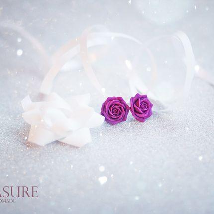 Пуссеты с фиолетовыми розами