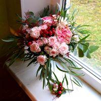 Свадебный букет-растрепыш с пионовидной розой