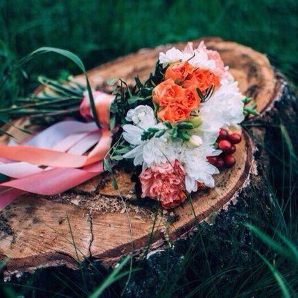 Букет невесты из роз и гвоздик