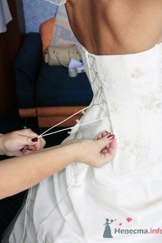 Сборы невесты: шнуровка платья. - фото 709 Невеста01