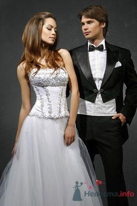 Свадебное платье ILANA - фото 30471 Плюмаж - бутик выходного платья и костюма