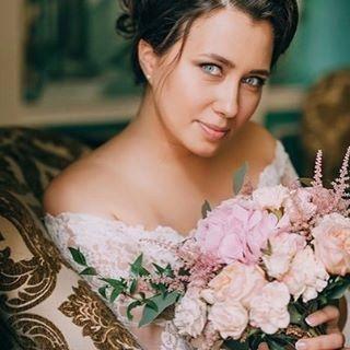 Я редко себе нравлюсь, но это прям очень-очень:) спасибо нашему фото-богу @azat_bikkinin_photography #azatbikkinin #свадебныецветы #свадебныйспам #татьянакаплун #грибоедовскийзагс #wedding #weddingday #tukitukiwedding #королева #свадьба2016 #свадьбавмоскв