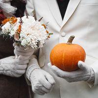 Букет невесты из астр для свадьбы в ретро стиле
