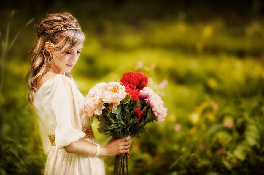 Букет невесты из длинных розовых и красных пионов  - фото 605498 Фотостудия Батурина Дениса