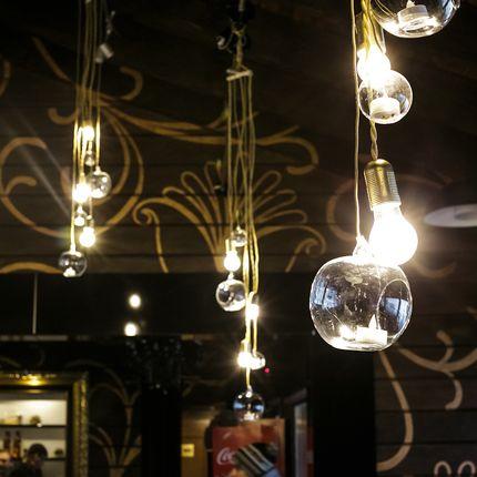 Подвесной светильник из свечей  и ламп