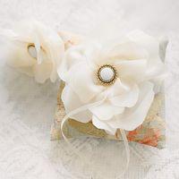 """Подушечка для колец с цветком из коллекции """"Ретро вдохновение"""""""