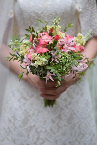 Букет невесты , гвоздика кустовая , матиола , нерине , эвкалипт . - фото 10007682 Флорист Светлана Плотникова