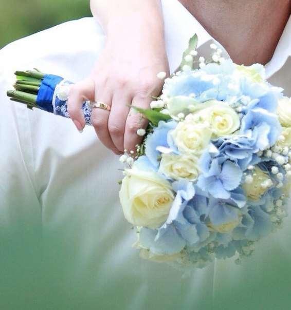 Букет невесты , гортензия , роза , кружево , голубой , белый. - фото 10007694 Флорист Светлана Плотникова