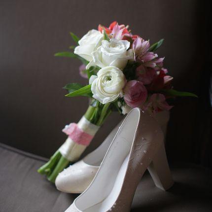 Букет невесты из альстромерий