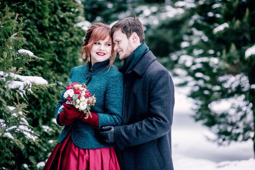 свадьба, зима, бардовый, красный,изумрудный, черный, жених, евеста, сваебная фотосессия - фото 13240070 Маслова Виктория - фотограф