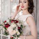 сборы невесты, утро невесты, фотостудия, свадьба в фотостудии, лофт, фотосессия, свадебная фотосессия, красный, белый, синий, букет букет невесты, флористика