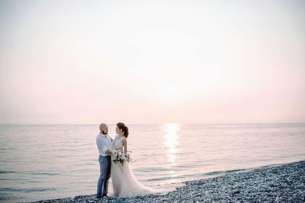 абхазия, свадьба, за границей, свадьба за границей, фотограф, фотограф за границей, свадебный фотограф, стиль, жених, невеста, файнарт, свадьба у моря, море, персиковый, голубой - фото 16450662 Маслова Виктория - фотограф