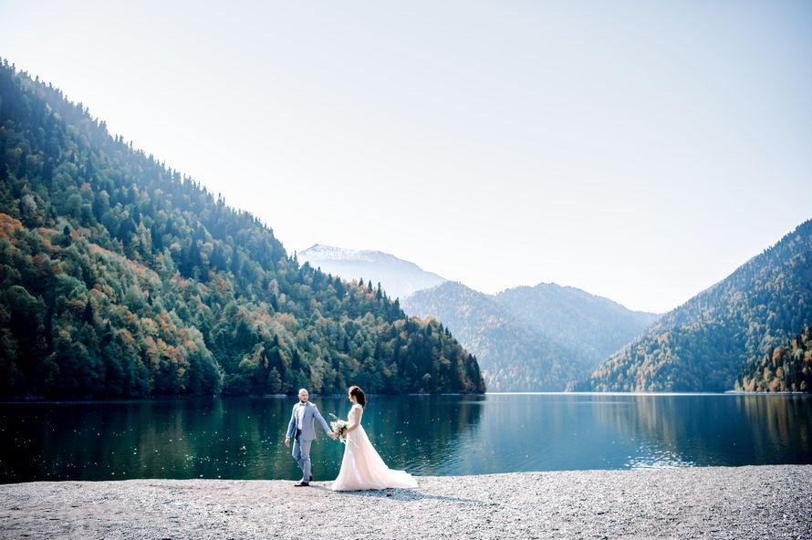 абхазия, свадьба, за границей, свадьба за границей, фотограф, фотограф за границей, свадебный фотограф, стиль, жених, невеста, файнарт, свадьба у моря, море, персиковый, голубой - фото 16450666 Маслова Виктория - фотограф