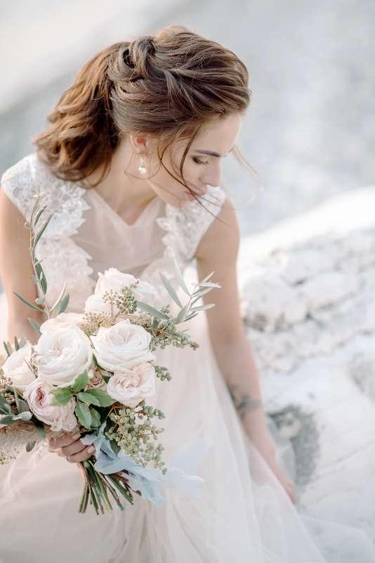 абхазия, свадьба, за границей, свадьба за границей, фотограф, фотограф за границей, свадебный фотограф, стиль, жених, невеста, файнарт, свадьба у моря, море, персиковый, голубой, букет невесты - фото 16450676 Маслова Виктория - фотограф