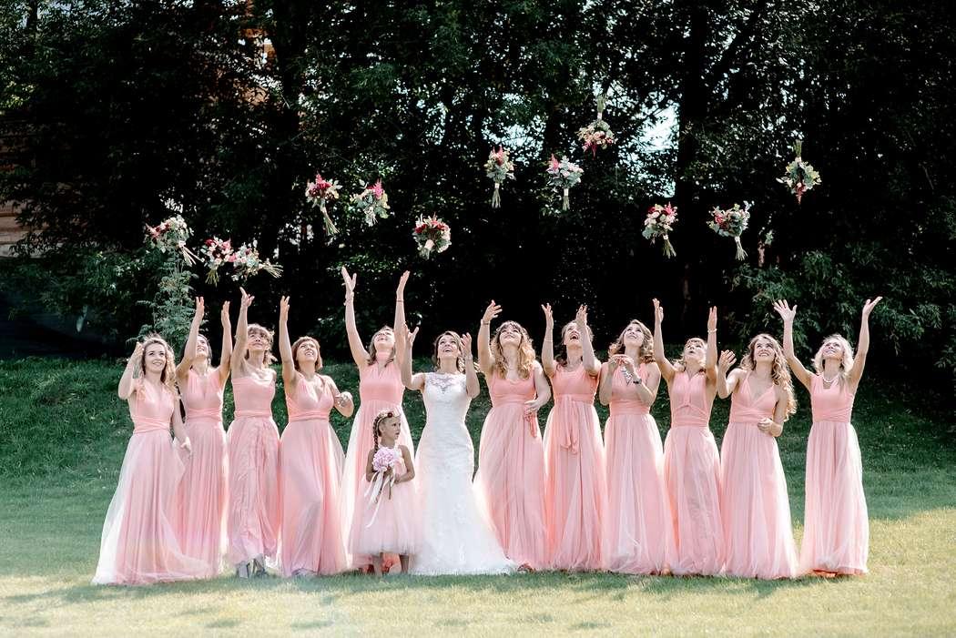 подружки невесты, подружки, коралловый, платья, платья подружек невесты, выездная регистрация, свадьба, невеста, свадьба за городом - фото 16505186 Маслова Виктория - фотограф