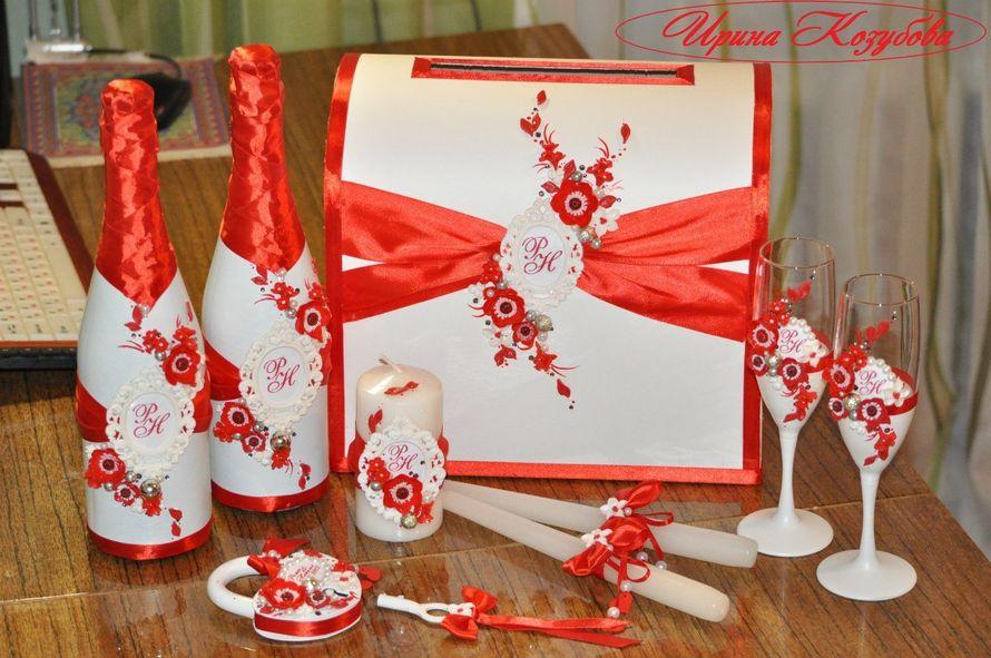 """Свадебный набор """"Афродита"""" в красно-белом цвете с рамками и инициалами. - фото 7531850 Свадебные аксессуары от Ирины Козубовой"""