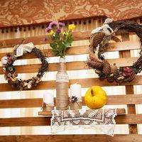лакада, ресторан, банкет, осенняя свадьба, декор, оформление, рустик, красный, бордовый, тыквы, шишки