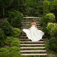 аптекарский огород, фотосессия, летняя свадьба, платье-трансформер, шлейф, атласное платье, атлас