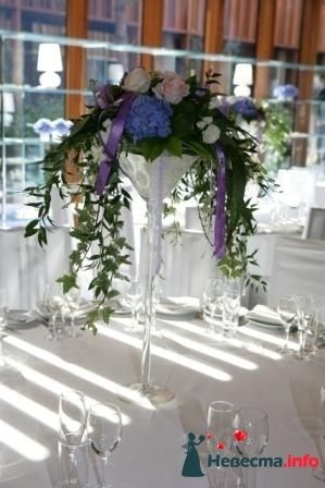 Роскошные композиции на столы гостей в высоких вазах. Вазы в аренду! - фото 117466 Art Floris - комплексное оформление