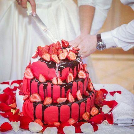 Свадебный торт по индивидуальному заказу, цена за 1 кг