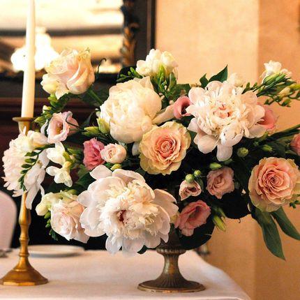Цветочная композиция на стол гостей