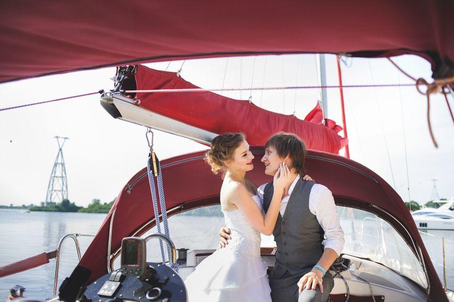 Фото 9056120 в коллекции Аренда парусной яхты с алыми парусами для фотосессий - Аренда яхты Паруса-нн