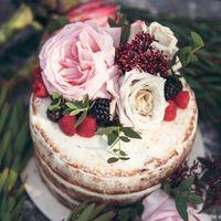 Организация, декор и флористика:  Торт: Аня Глазурина Фотограф: Олеся Сапичева 8(904)037-26-05