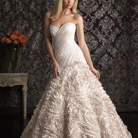 Allure bridals. 6US (42-44-46)