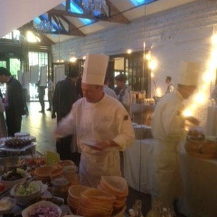 Приготовление закусок для гостей