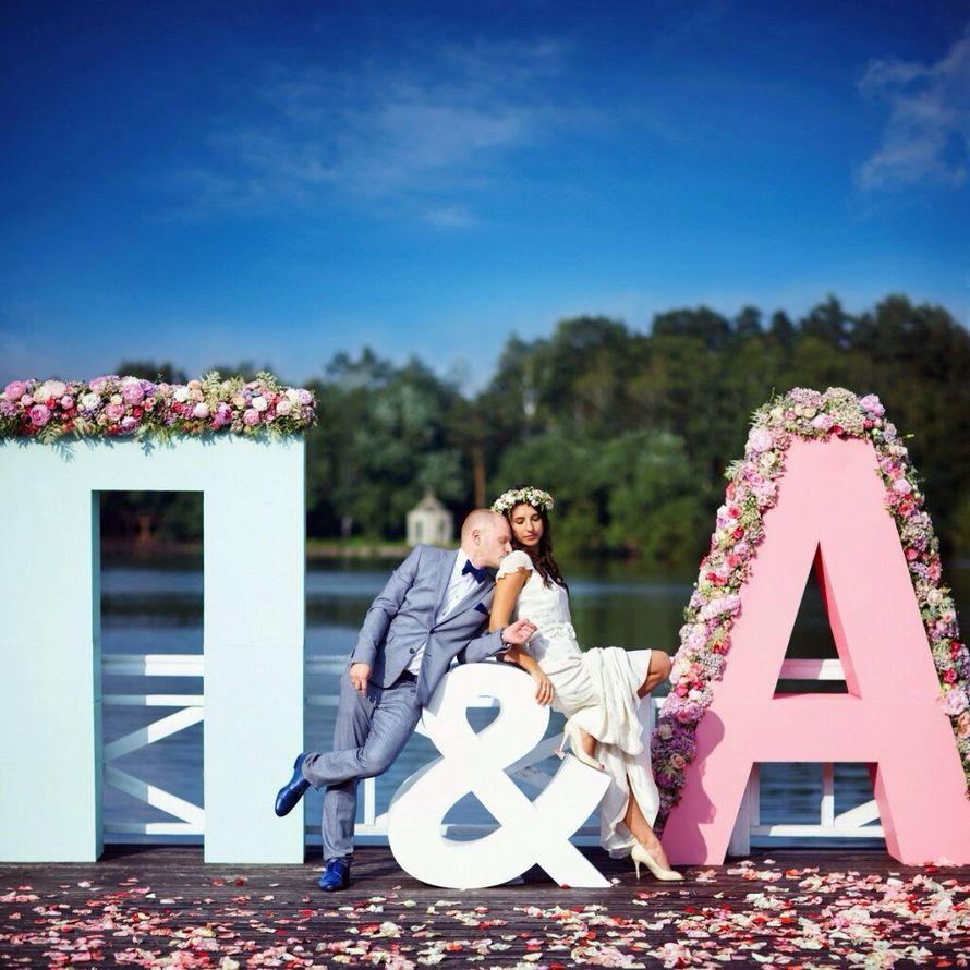 Украшение букв на свадьбу фото