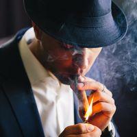Жених Артем и отличная ароматная сигара...  Фото Инна Птицына. С любовью к своей работе свадебный распорядитель Ирэм