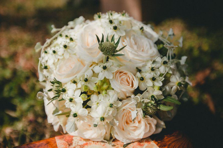Букет Катерины в деталях - фото 4401715 Свадебный распорядитель, выездной регистратор Ирэм