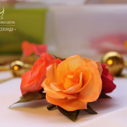Аксессуары с цветами из шёлка