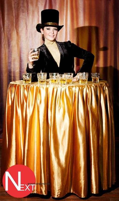 """Леди-фуршет от Кабаре-шоу """"Viva"""" Девушки, одетые в платья-столы. Оригинальная подача напитков и легких закусок Вашим гостям. Организация выступлений: NEXT Event-агентство тел.: +77077670404 e-mail:info@nextevent.kz - фото 9988288 Nextevent event-agency"""