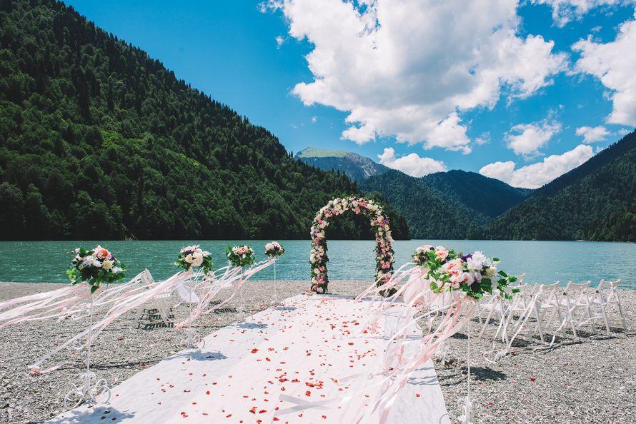 современный комфортабельный свадебная фотосессия рица озеро острова располагаются довольно