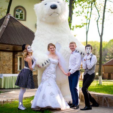 Сопровождение торжества трёхметровый медведь