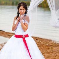 На Жанне свадебное платье Влада
