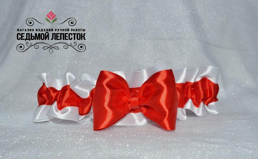 Подвязка для невесты  Цена 500 руб Цвет ленты и декора могут быть любыми Для обхвата ноги от 38 до 55 см (другой размер на заказ)  #подвязка #подвязкадляневесты #подвязканасвадьбу - фото 10460394 Свадебные аксессуары Седьмой лепесток