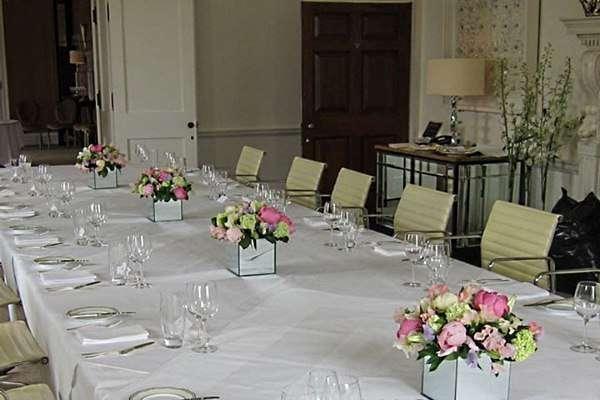 Фото 10487338 в коллекции Оформление стола гостей - Мастерская флористики Wedding planner