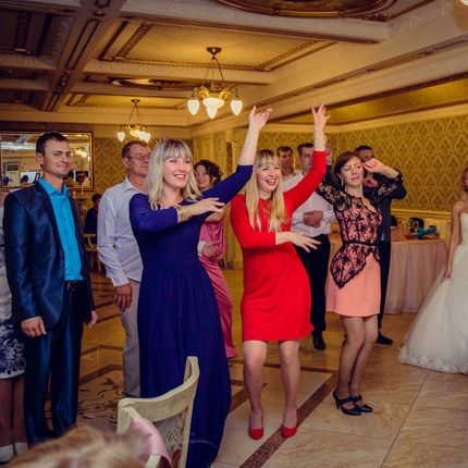 Проведение свадьбы с диджеем 6 часов