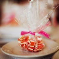 конфетки в праздничном пакетике (возможно вариации упаковки по вашему желанию)