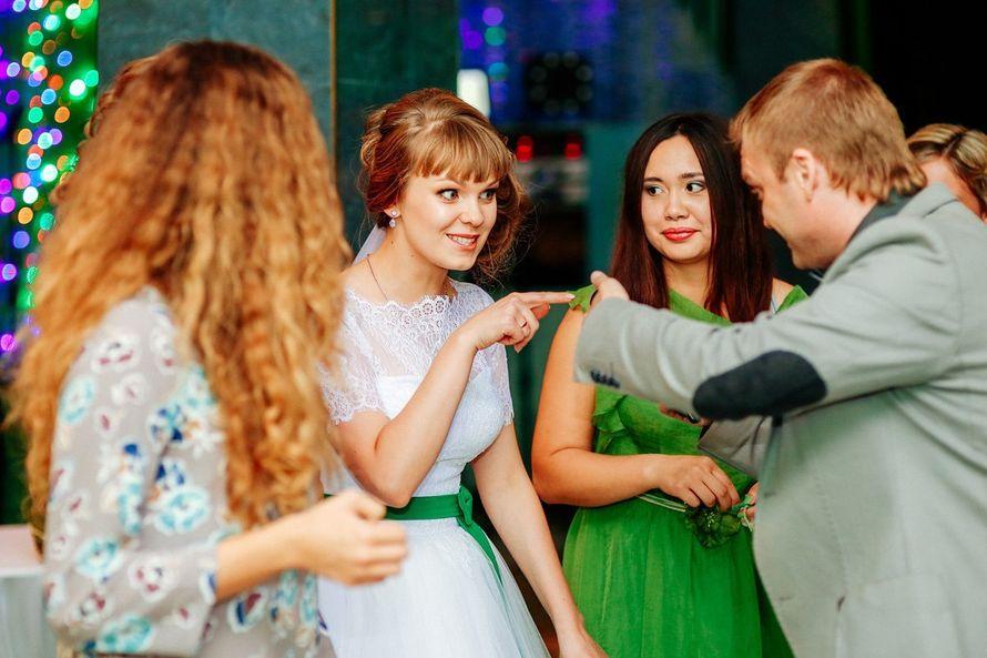 Фото 10997896 в коллекции Свадьба в Гомеле. Банкет. Ведущий на свадьбу. - Ведущий Юра Лепший